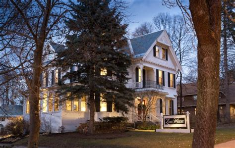 The Lang House On Main Is A Stunning Accommodation In