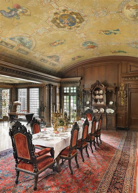 A decades-long renovation returns a Midwestern palazzo to