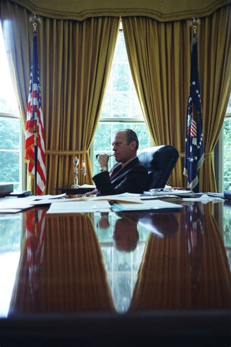 Oval Office Decor Changes in the Last 50+ Years - Pictures